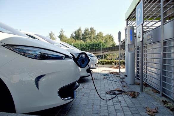 recharger la voiture électrique