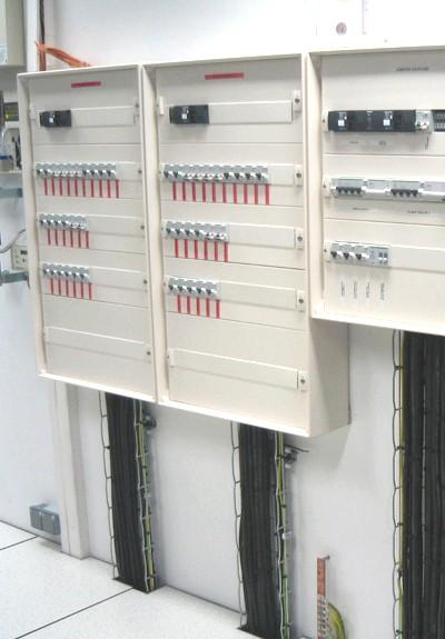 électricité dans la salle informatique