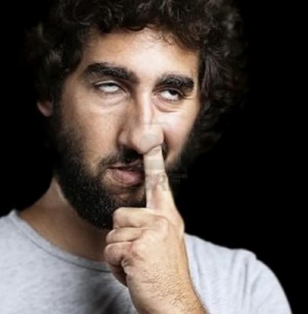 doigt dans le nez